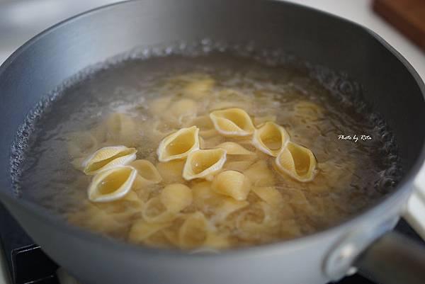 鮪魚、酸豆與檸檬