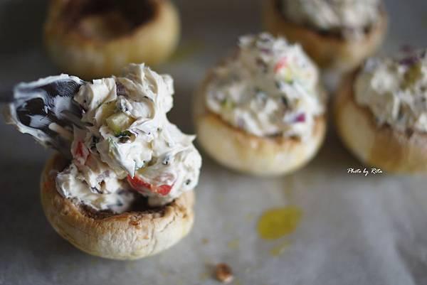 蘑菇鑲披薩餡