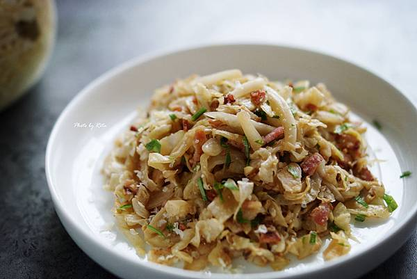 炒德式酸菜起司沙拉