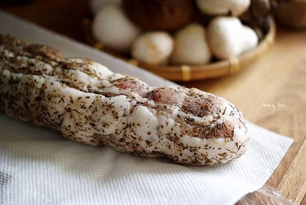 生培根蕈菇蛋包