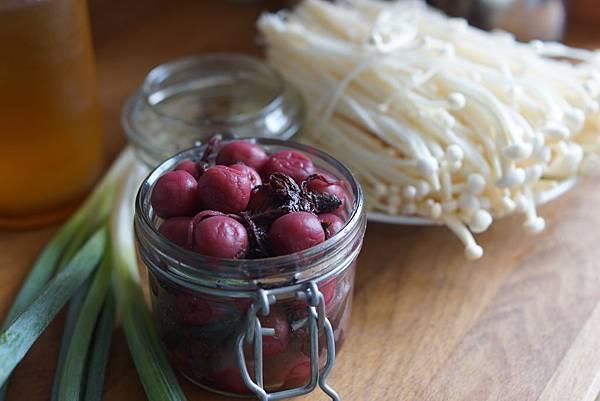 紫蘇梅拌金針菇