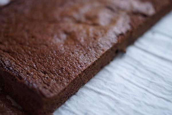 基本巧克力海綿蛋糕