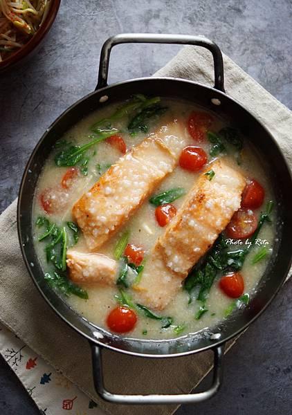 煎鮭魚米濃湯
