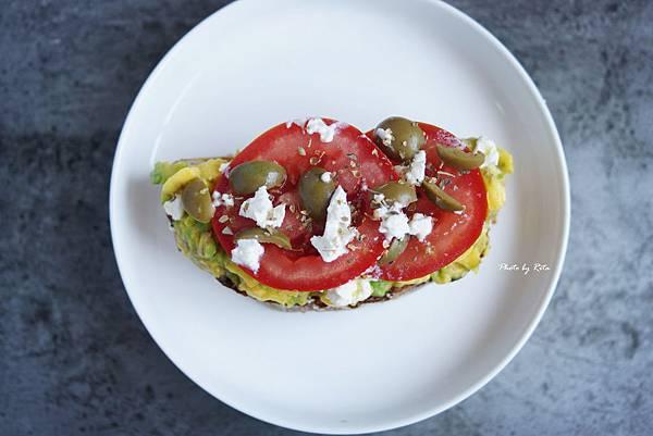 酪梨、番茄、黑橄欖、奧勒岡