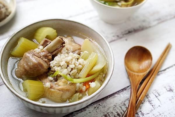 西洋芹雞湯