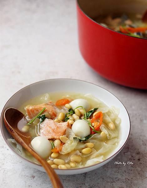 黃豆鮭魚頭湯