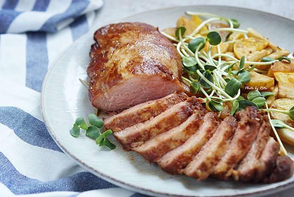 烤豬肉佐歐洲防風草與番薯