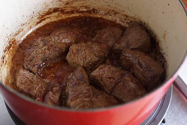 奶油燉牛肉