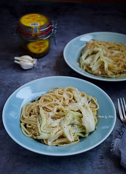 高麗菜義大利麵佐香蒜鯷魚醬