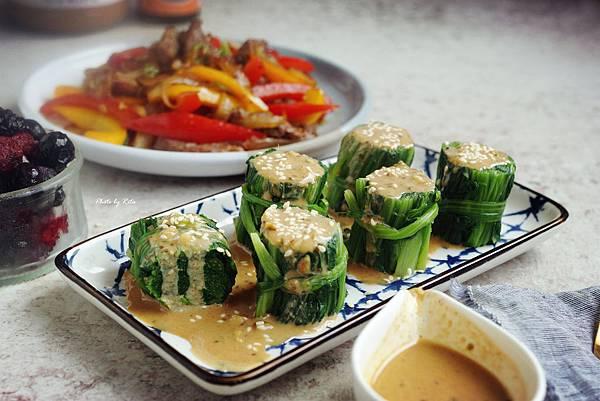 胡麻醬淋菠菜