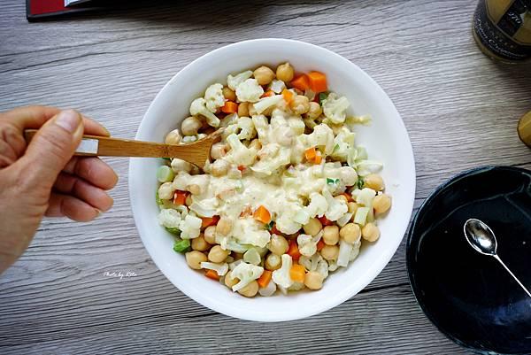 加冕鷹嘴豆沙拉