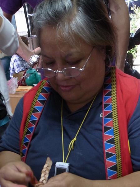 鄒族皮雕工藝黃明珠老師