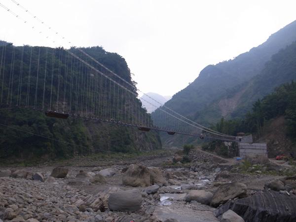 達娜伊谷與吊橋