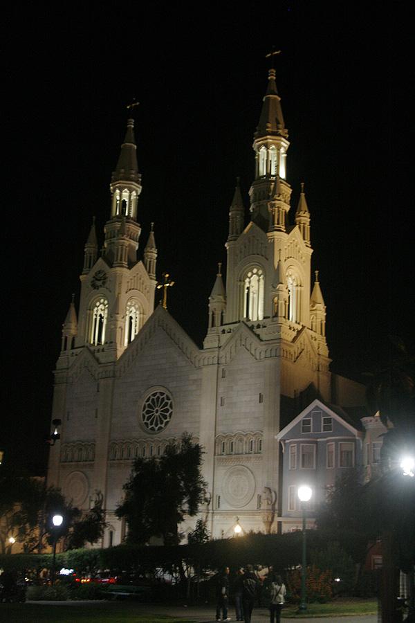 聖彼得與保羅教堂夜景