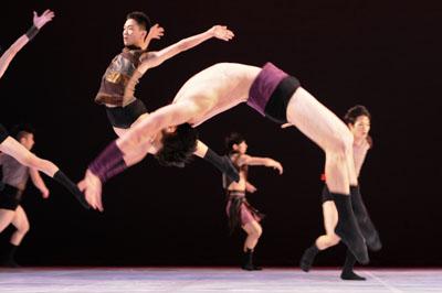 布拉瑞揚與舞者-攝影Lance_Pong(本照片由布拉瑞揚提供).jpg