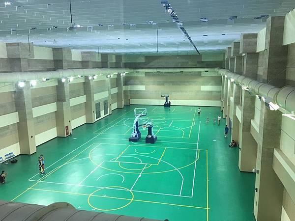 北區運動中心-籃球場.jpg