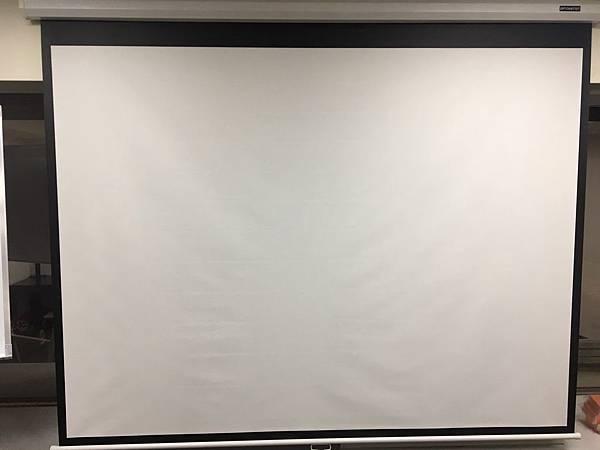 台北場地教室重慶77號投影佈幕.jpg