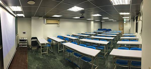 台北場地租借世界大樓-教室型1.jpg