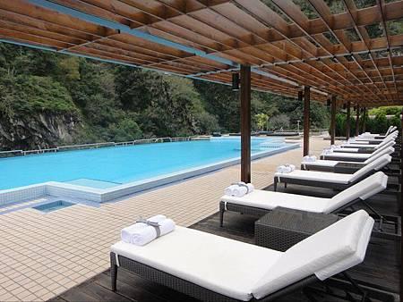 飯店戶外泳池