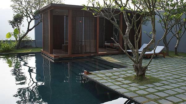 私人泳池與發呆亭