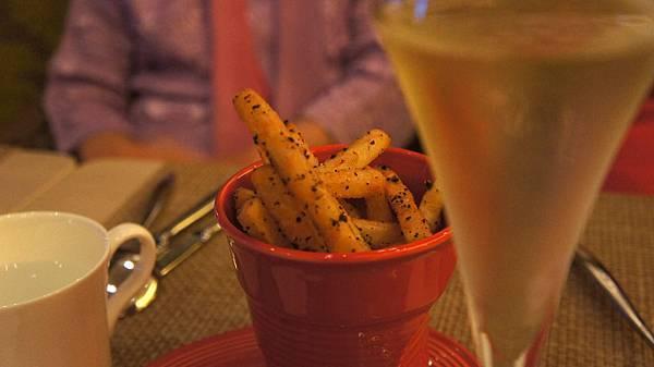 脆薯與氣泡酒