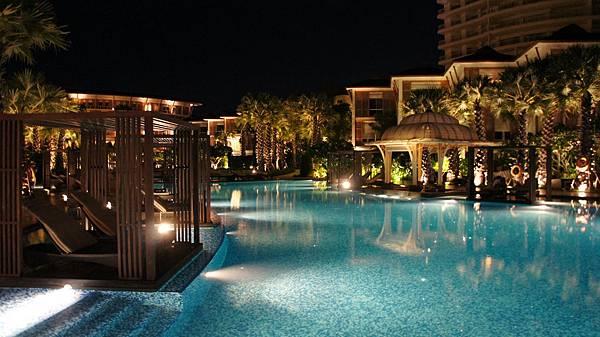夜晚的飯店