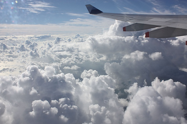 008-1 飛往印度的雲層.JPG