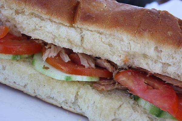 003 鮪魚番茄麵包.JPG
