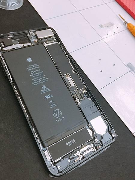 iPhone 7 plus 螢幕維修_170112_0007.jpg
