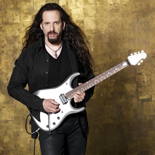 John_Petrucci_2013_1.jpg
