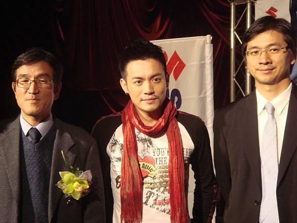 小范代言SUZUKI機車記者會