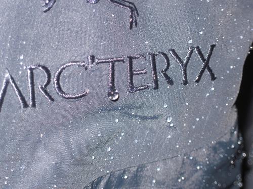 1.【Rockland 14週年慶】大絕4:高價精品Arc'teryx、Montbell-手刀衝刺,搶購夯款。(Arc'teryx主視覺).jpg