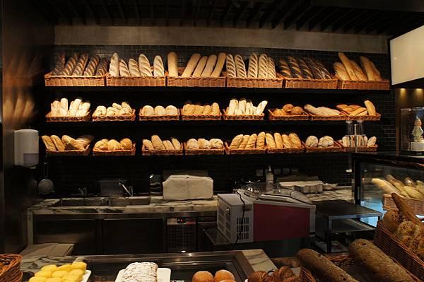 6.Mr.Rockland香港Crumpler高峰會_哇~看到這麼多種麵包,真的讓人肚子都餓了起來~除了味覺的饗宴,還有視覺的享受!
