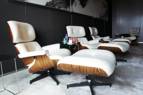 7.Mr.Rockland香港Crumpler高峰會_哇哇~一張要價13萬多台幣的Eames Lounge Chair廬山真面目~!