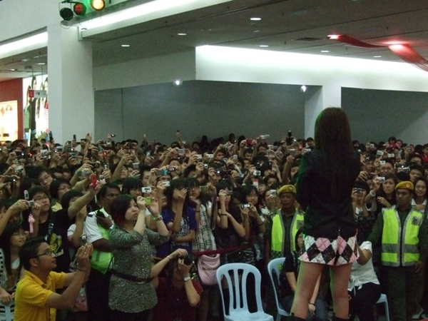 Kluang Mall 簽唱會