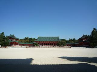 2011.9.27 平安神宮 大極殿 (1).JPG