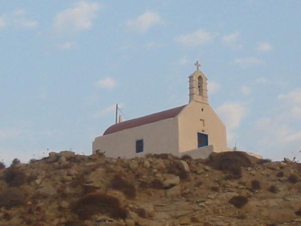 山丘上的小教堂
