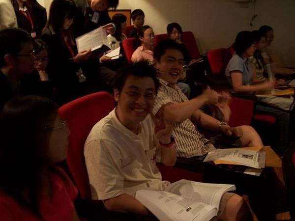 混在新生說明會中MBA93