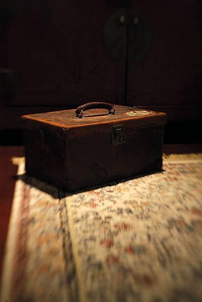 藏拙內頁照片 我的古董化妝箱特寫