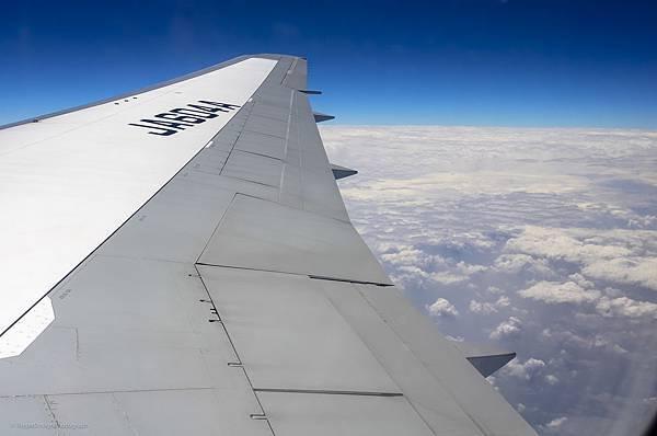 飛行中的窗外雲層