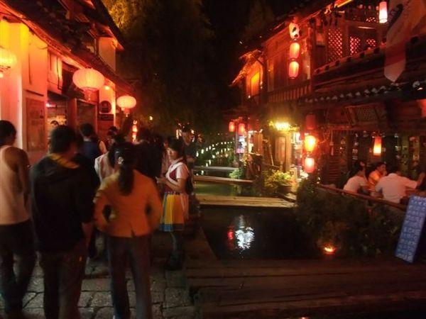 麗江酒吧街夜景 (5).JPG