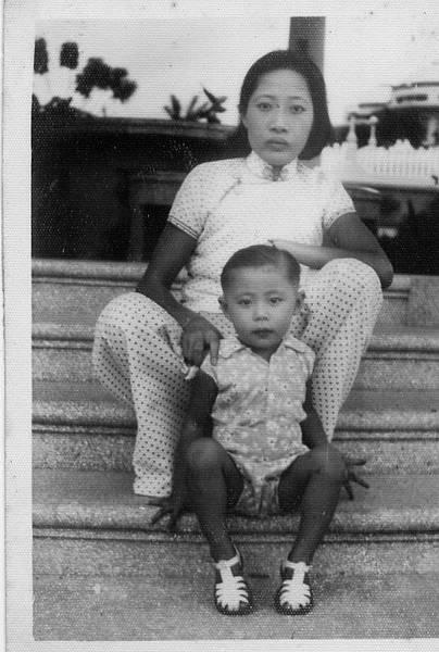 母親與大姐.jpg