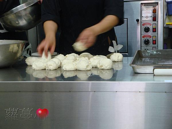 2013-11-02黑糖饅頭叉燒包蔥肉餅脆筍鮮肉包_007.jpg