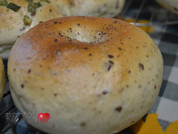 2014-02-06油漬番茄胡桃貝果&蔥貝果_003.jpg