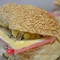 2014-04-18法國芝麻餐包_014.jpg