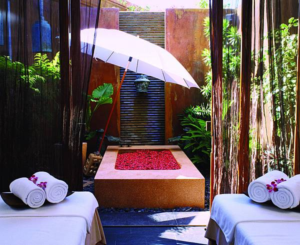 Hi_AHH_43249479_AHH_Anantara_Spa_treatment_suite.jpg