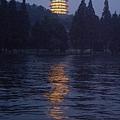 杭州西湖畔雷峰塔