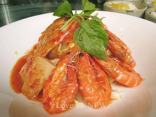伍角船板:泰式涼拌鮮蝦