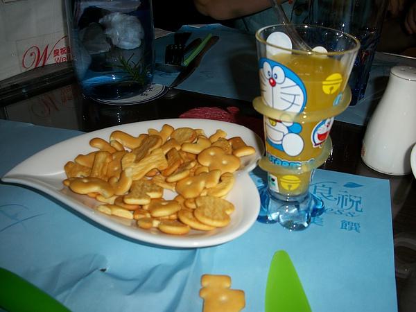 兒童果汁+餅乾
