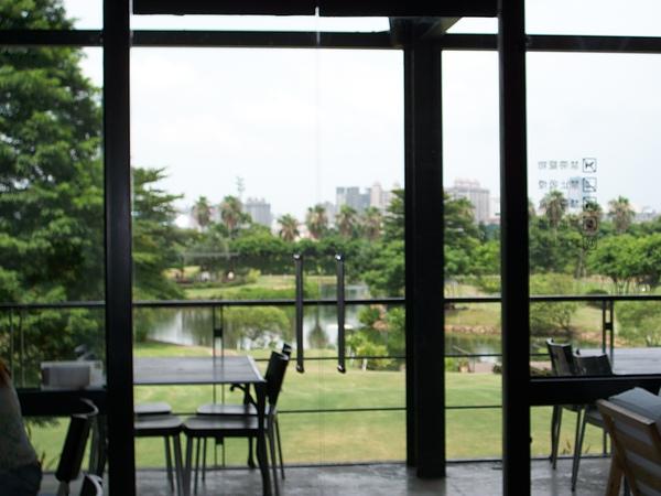 綠風2樓用餐往外望